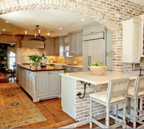 A konyhában is megállja a helyét a tégla burkolat