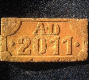 AD 2011 ajándék tégla
