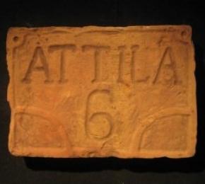 Attila utca és házszám