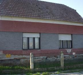 Ilyen volt a ház, amikor megvásárolták.